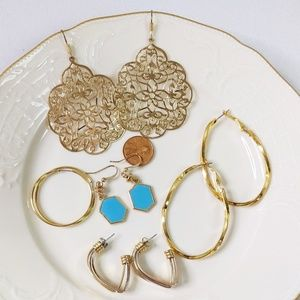 🌜3 for $25🌛5 Pair of Gold Tone Variety Earrings
